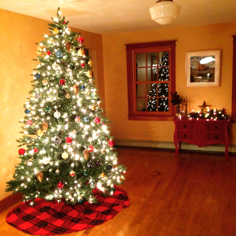 Our Christmas tree! You can totally tell from this angle that a string of  lights is burnt out… 395d02bf5