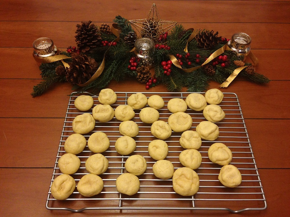 Baking Christmas shortbread cookies to share!